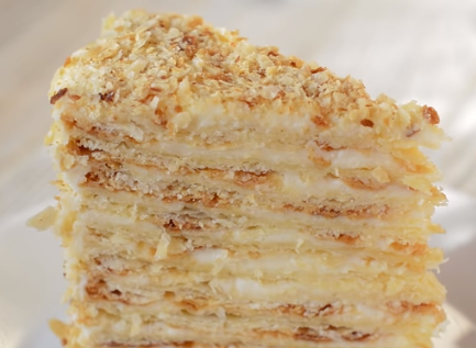 Главред рассказал, как приготовить лучший торт Наполеон