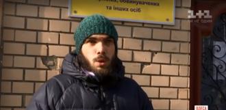 Потерпевший уверяет, что причина избиения ему непонятна / Фото: скриншот из видео