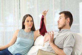 Психолог сообщил, что если после измены в паре кто-то не хочет нести за случившееся ответственность, значит, — такие отношения нужно разрывать