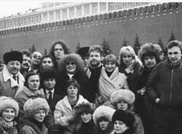 Игорь Николаев показал фото с Аллой Пугачевой, которому свыше 30 лет