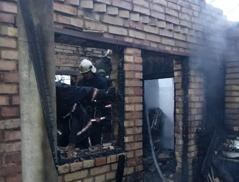 На Киевщине случился пожар, погибли двое маленьких детей