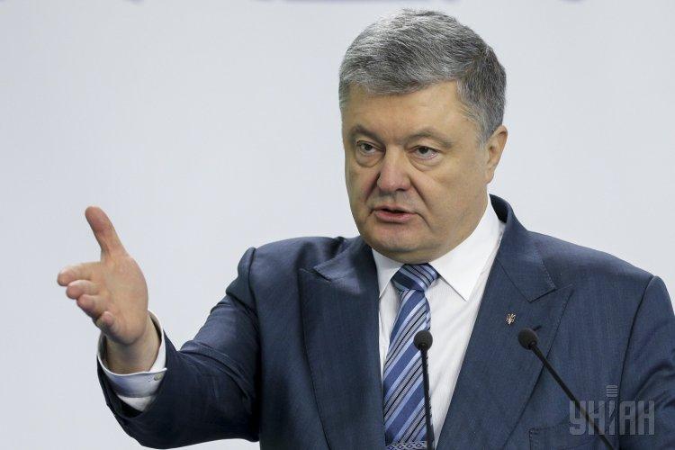 Журналист сказал, что в Украине Петр Порошенко разыгрывает путинскую партию