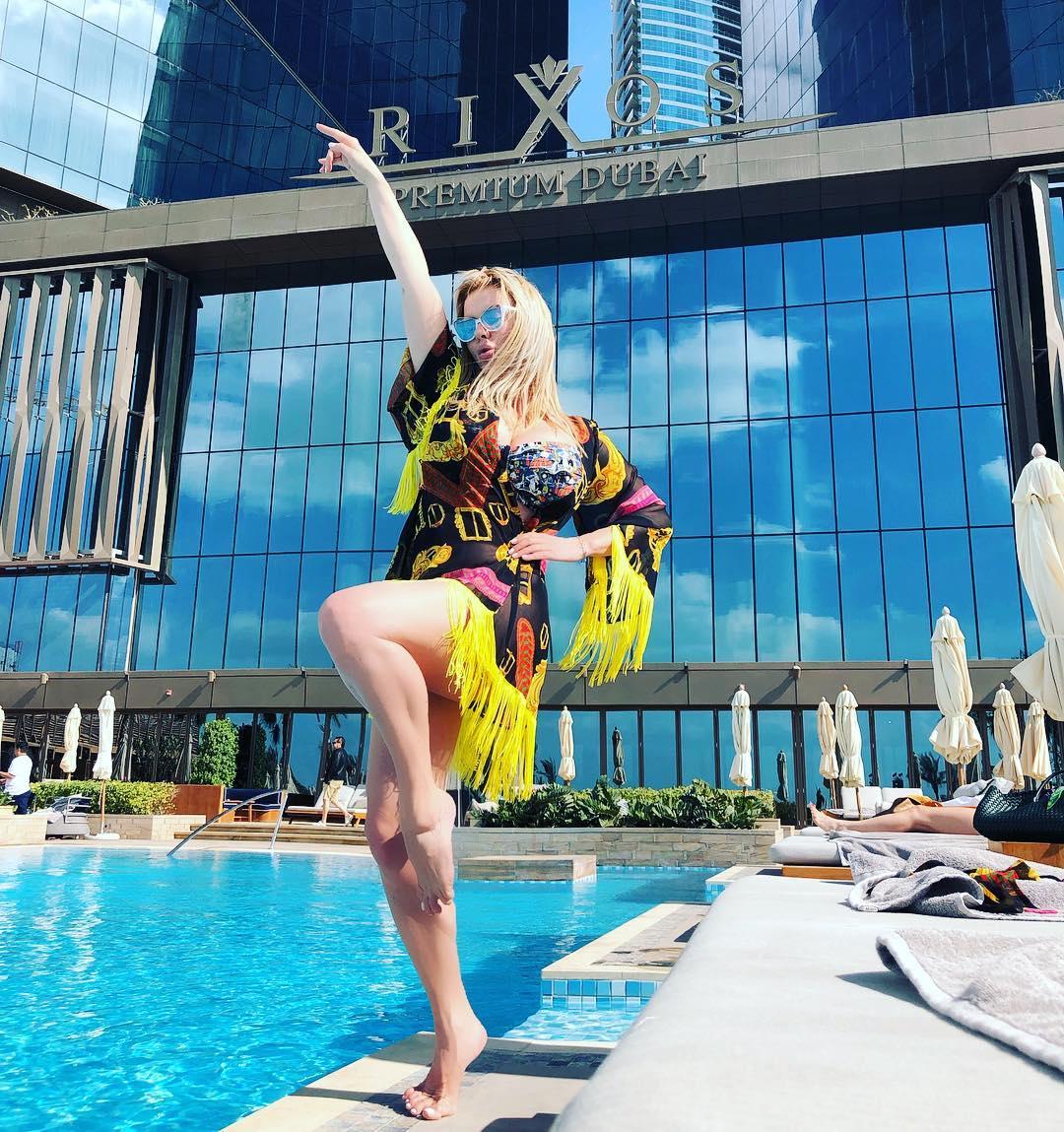Неожиданно набравшая вес Анна Семенович поразила фанатов - свежие фотографии