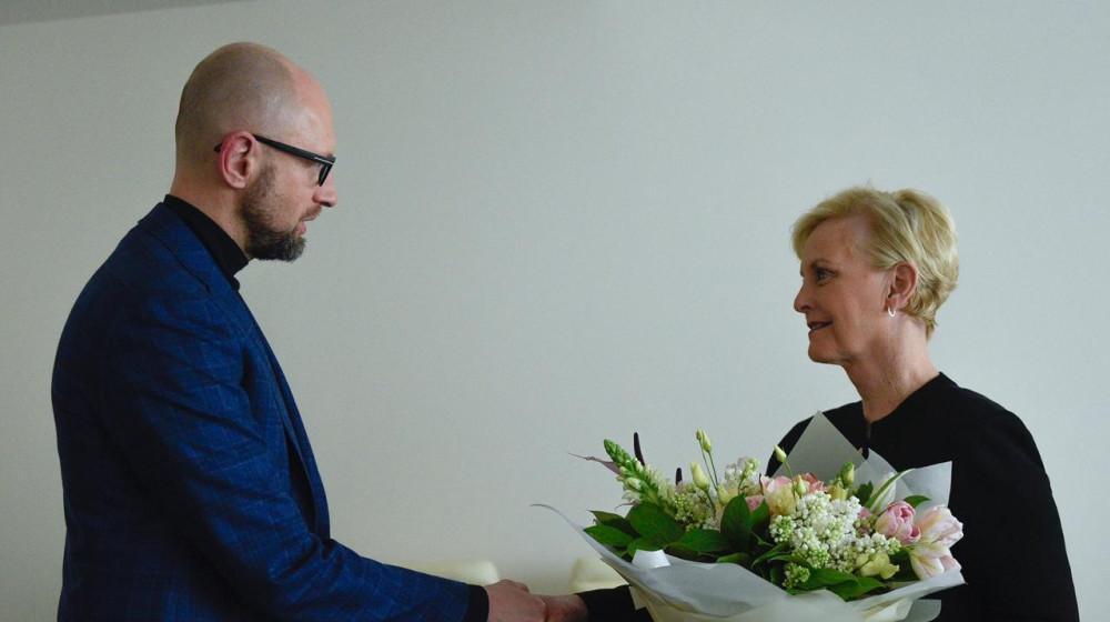 Арсений Яценюк подчеркнул, что для него большая честь встретиться с госпожой Маккейн