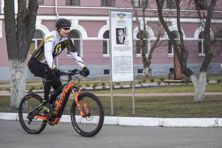 Виталий Кличко на велосипеде