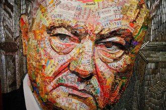 Порошенко стал Лицом коррупции с помощью оберток конфет / Фото: Facebook/ Efrem Lukatsky