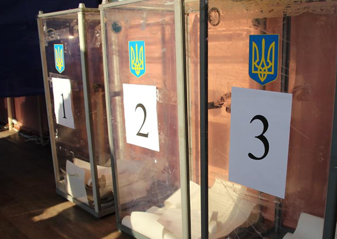 В Донецкой области копам пожаловались на серьезную фальсификацию на выборах президента Украины 2019