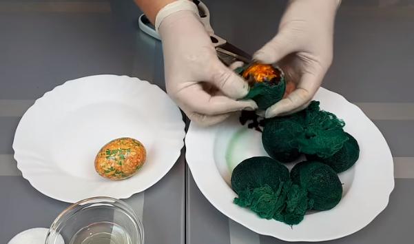 Как приготовить мраморные яйца к Пасхе