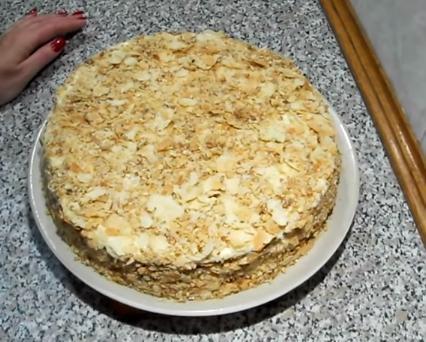 Торт Наполеон можно приготовить в сковороде