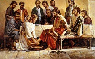 В Чистый четверг Христос омыл ученикам ноги
