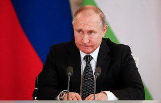 Путін поспішає змінити Конституцію