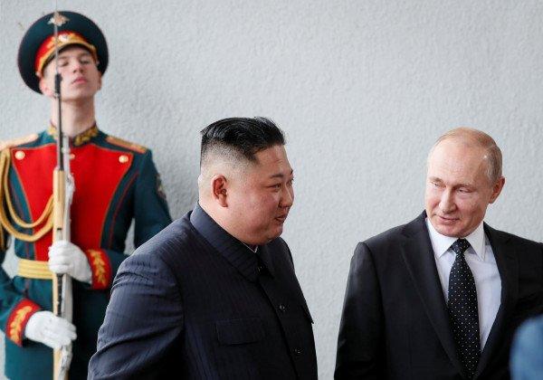 Владимир Путин поговорил с Ким Чен Ыном о ситуации на Корейском полуострове