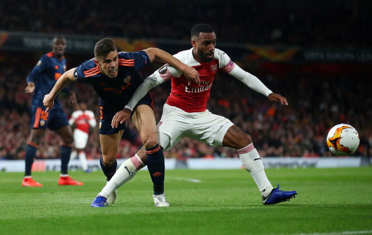 Александр Ляказетт забил дважды и принес Арсеналу важную победу в полуфинале