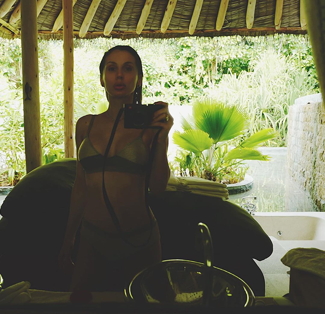 Лобода в откровенном купальнике / instagram.com/lobodaofficial