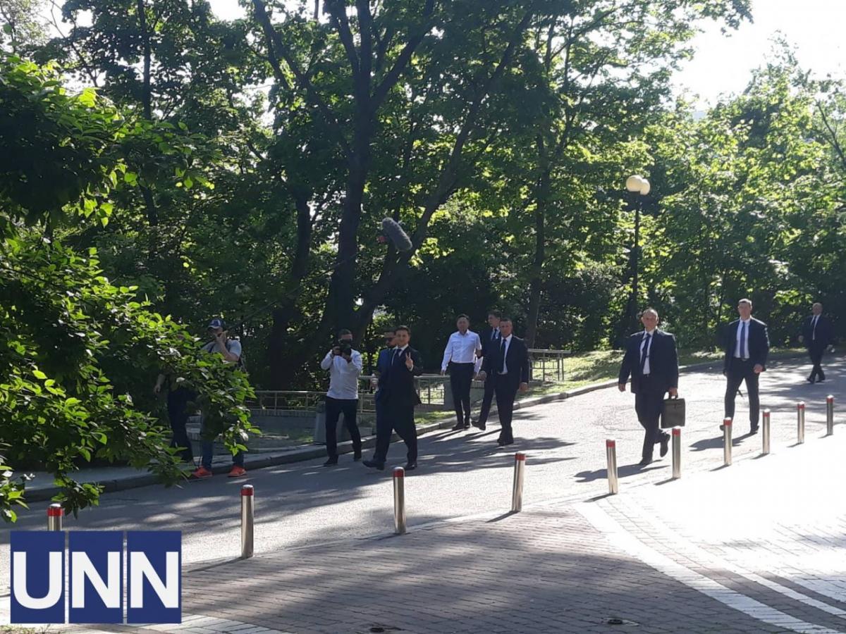 Инаугурация Зеленского — Владимир Зеленский отправился пешком на инаугурацию