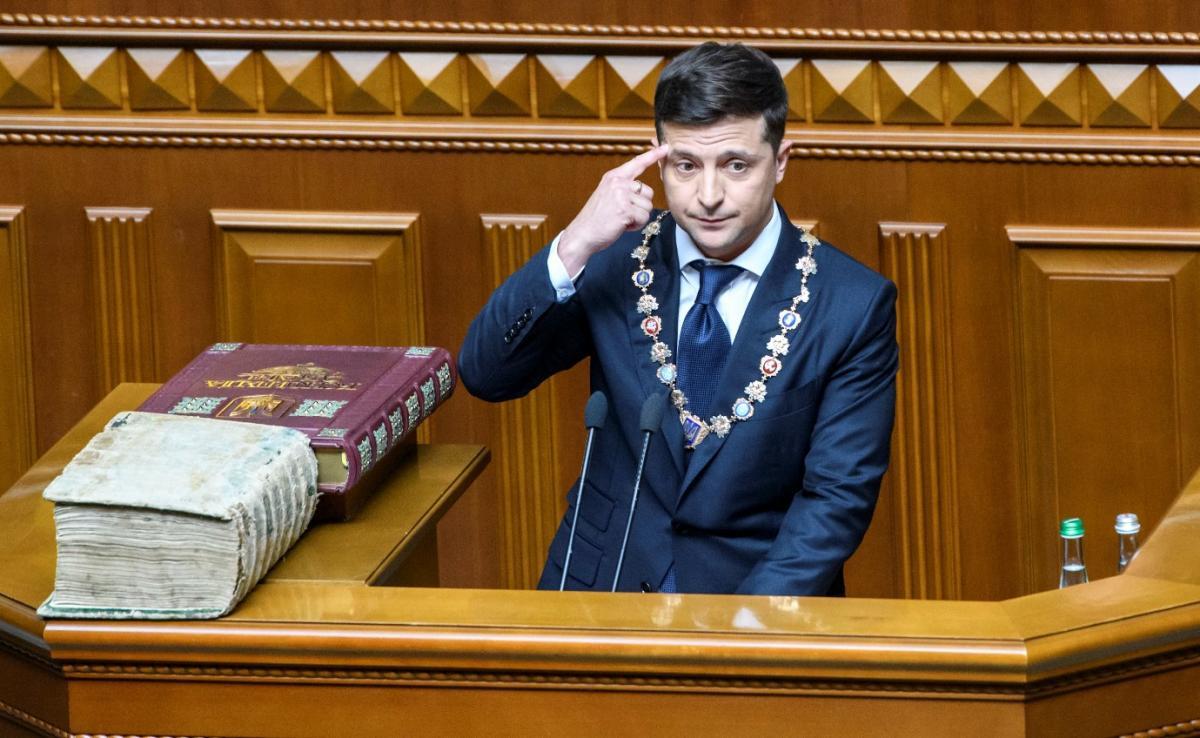 Зеленский объяснил депутатам, почему роспуск Рады – правильное решение