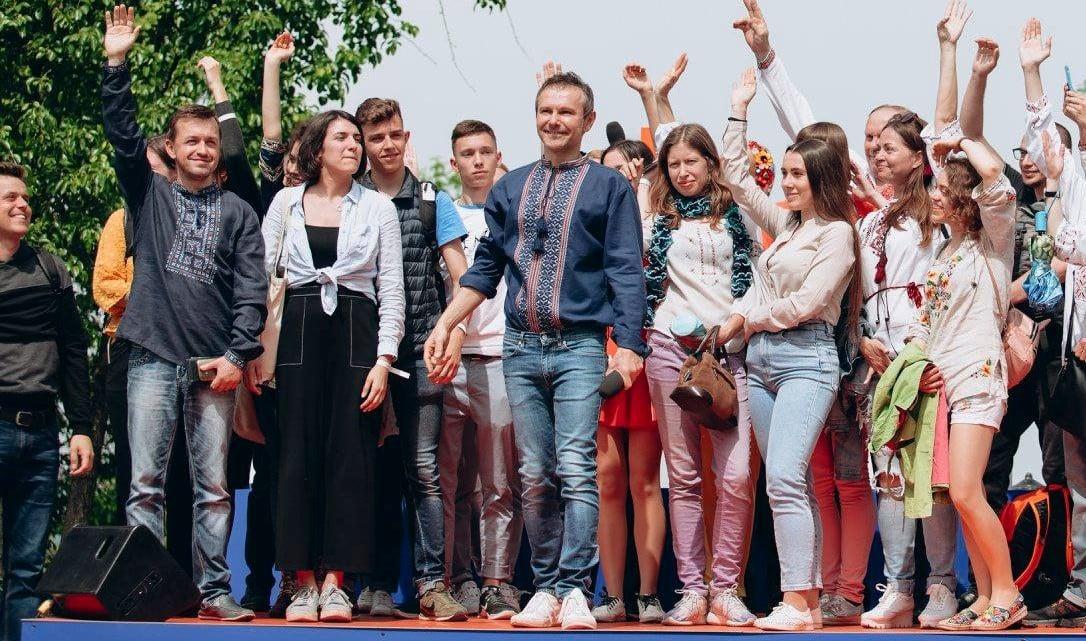 Выборы в Раду: социолог объяснила, у кого Вакарчук отберет голоса