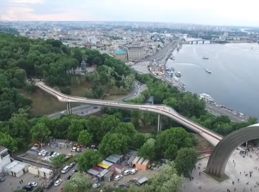 Новости Киева — На новом киевском пешеходно-велосипедном мосту