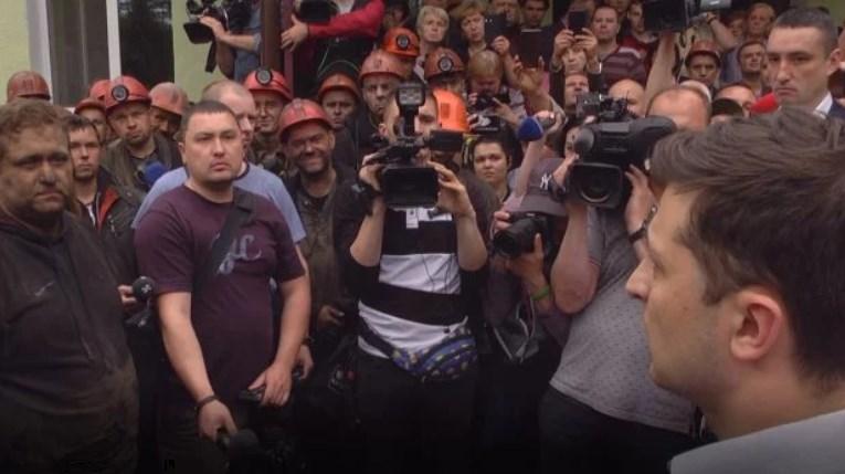 Зеленский во Львовской области встретился с горняками родными погибших шахтеров