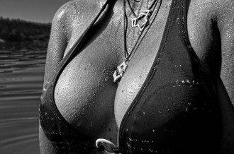 Женская грудь / Дни24