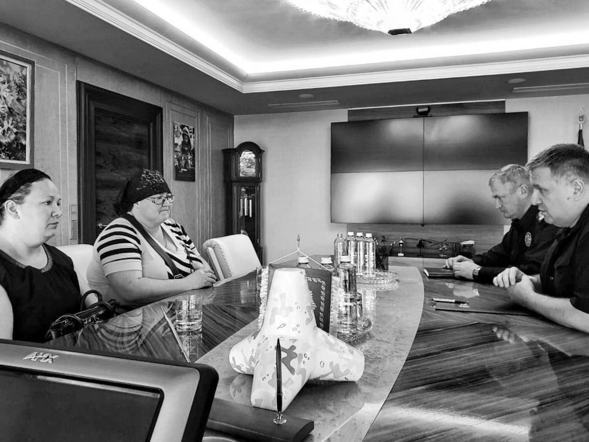 Аваков и Князев поговорили с родными убитого мальчика