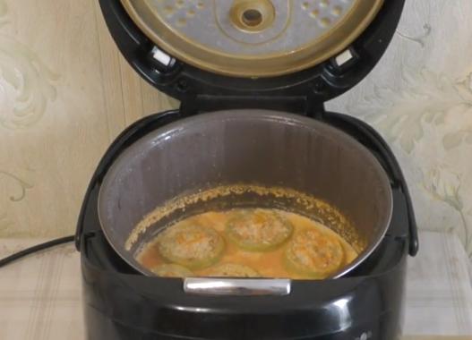 Этапы приготовления фаршированных кабачков в мультиварке