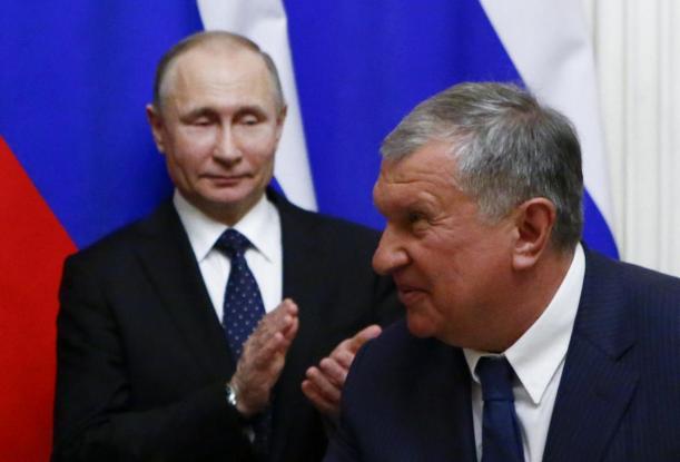 Владимир Путин и его близкий друг, глава Роснефти Игорь Сечин