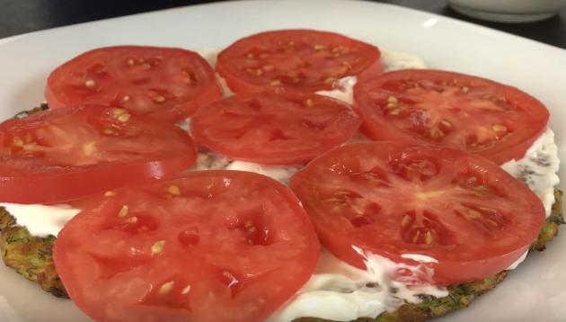 Кабачковый торт — Как готовится кабачковый торт с помидорами