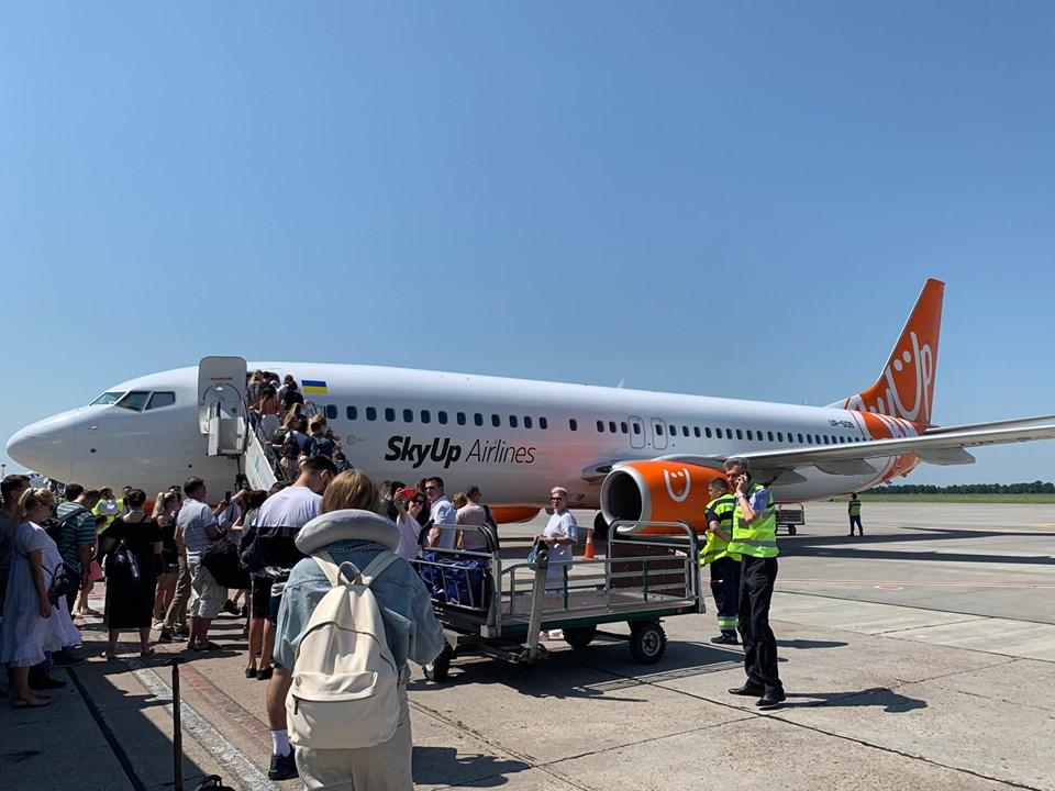 SkyUp продолжает выполнять авиарейсы вопреки решению суда