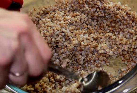 Этапы приготовления гречки в микроволновке