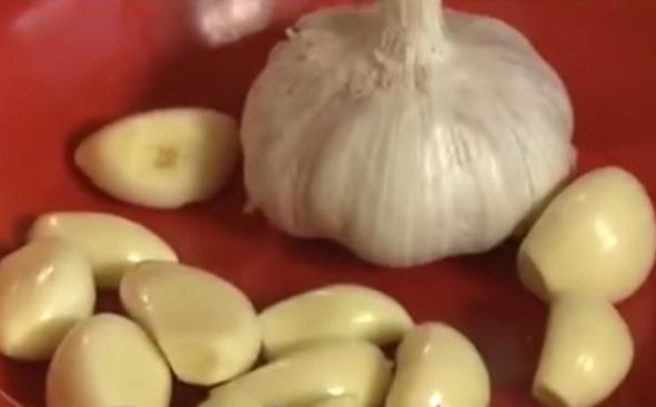 Малосольные огурцы быстро готовятся в пакете