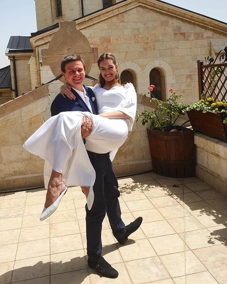 Телевизионный ведущий Дмитрий Комаров женился