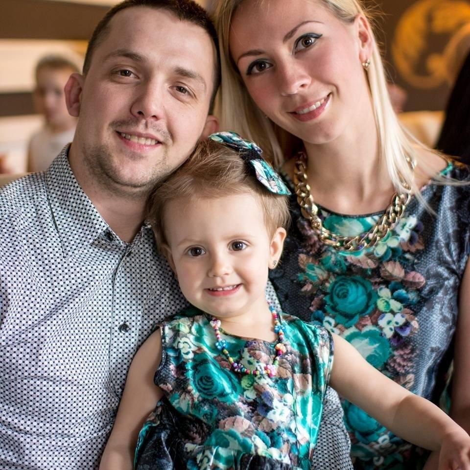 Пострадавший Александр Костюк с семьей / Фото: Instagram/Юлия Костюк