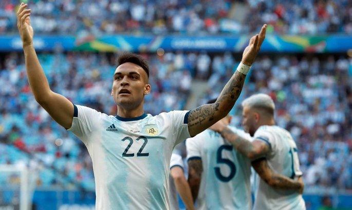 Аргентина вышла в четвертьфинал