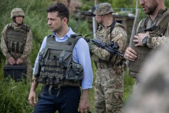 Зеленский выставил жесткое условие для отвода войск на Донбассе