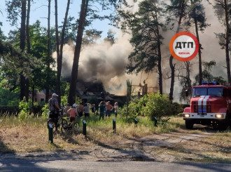Сгорел дом, в котором снимали Сваты / Фото: dtp.kiev.ua