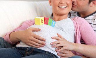 Аналізи допоможуть вчасно виявити небезпечні патології малюка і майбутньої мами