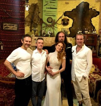 Вакарчук женил своего гитариста