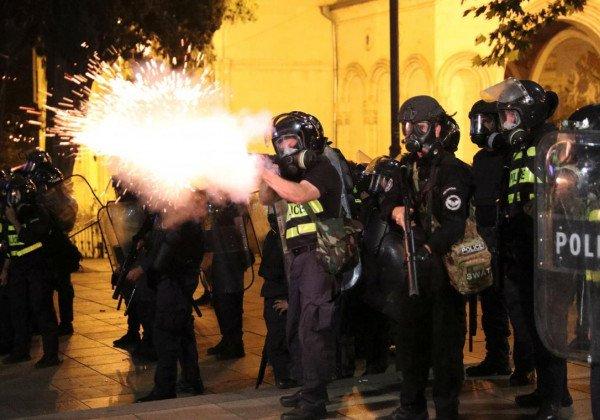 Протесты в Грузии — Собраны главные подробности протестов в Грузии