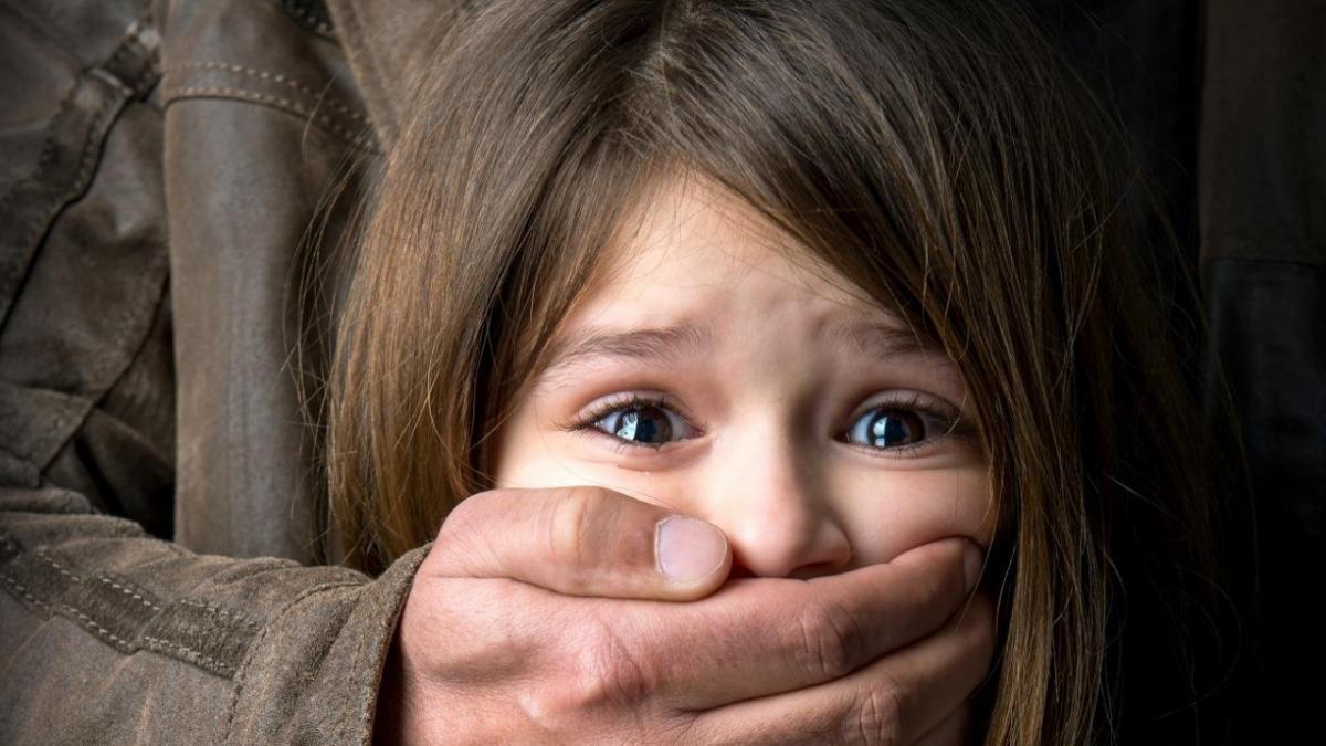 Насилие над девочками картинки