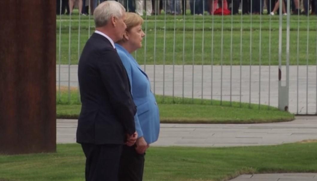 Меркель стало плохо в третий раз