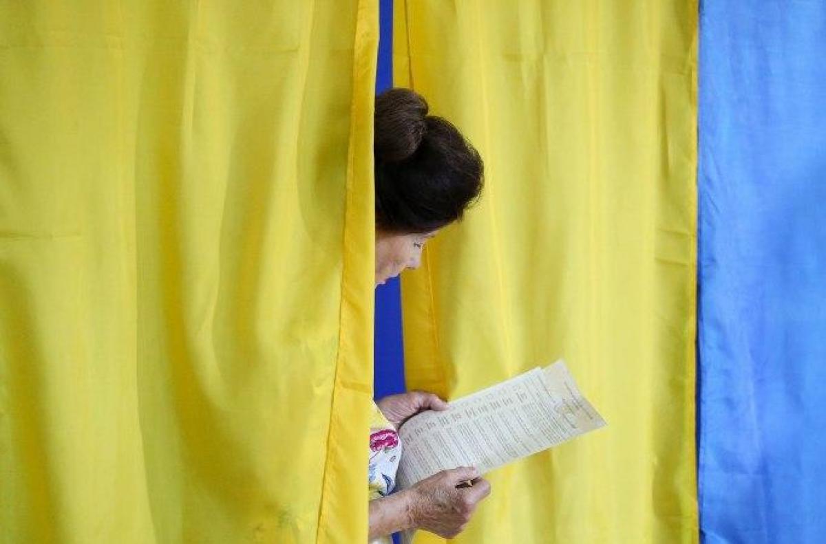 Партия Слуга народа — Избиратели сообщили о манипуляциях на выборах 2019, сказал Александр Корниенко