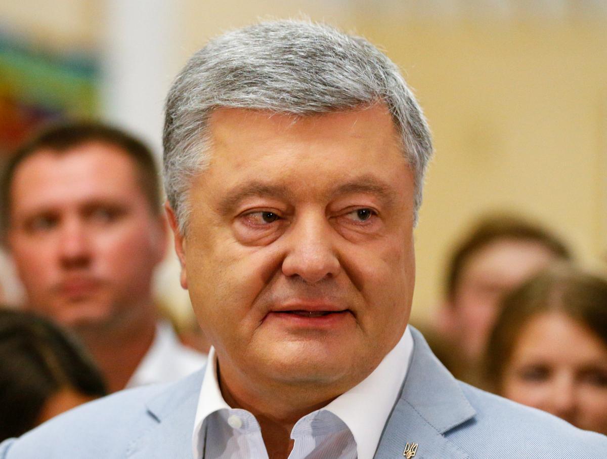 Петр Порошенко пришел на избирательный участок вместе с супругой Мариной