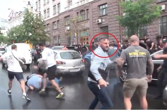 Никита Макеев - кто вскочил на авто Порошенко перед ГБР