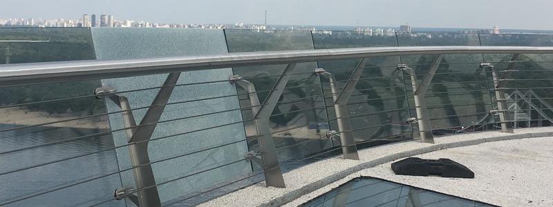 Мост Кличко, стекло, трещина