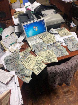Новости Киева — Советницу главы Дарницкой РГА поймали на крупной взятке