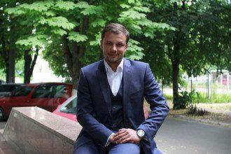 Сергей Бабак назвал будущую зарплату учителя в Украине