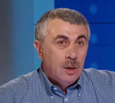 Евгений Комаровский - Детей до 4 лет нельзя кормить плотными продуктами, сообщил Евгений Комаровский