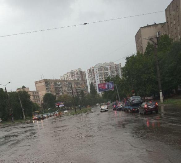 Новости Одессы - В Одессе из-за непогоды по ряду маршрутов перестали ходить трамваи