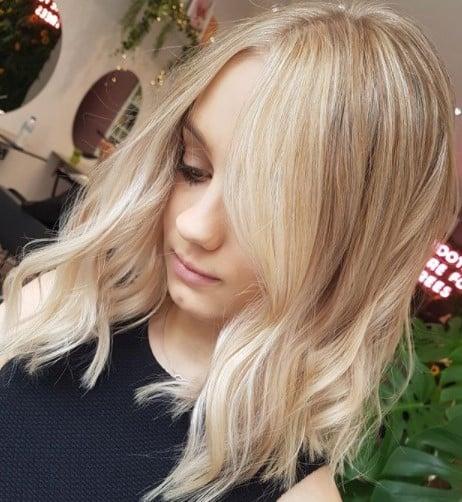 Модное окрашивание для блондинок 2020